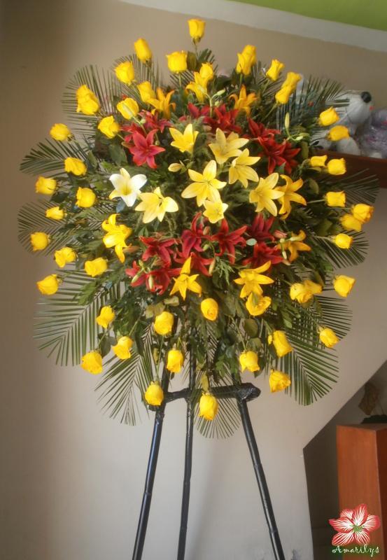 Arreglo En Pedestal Floreria Amarilys En Arequipa
